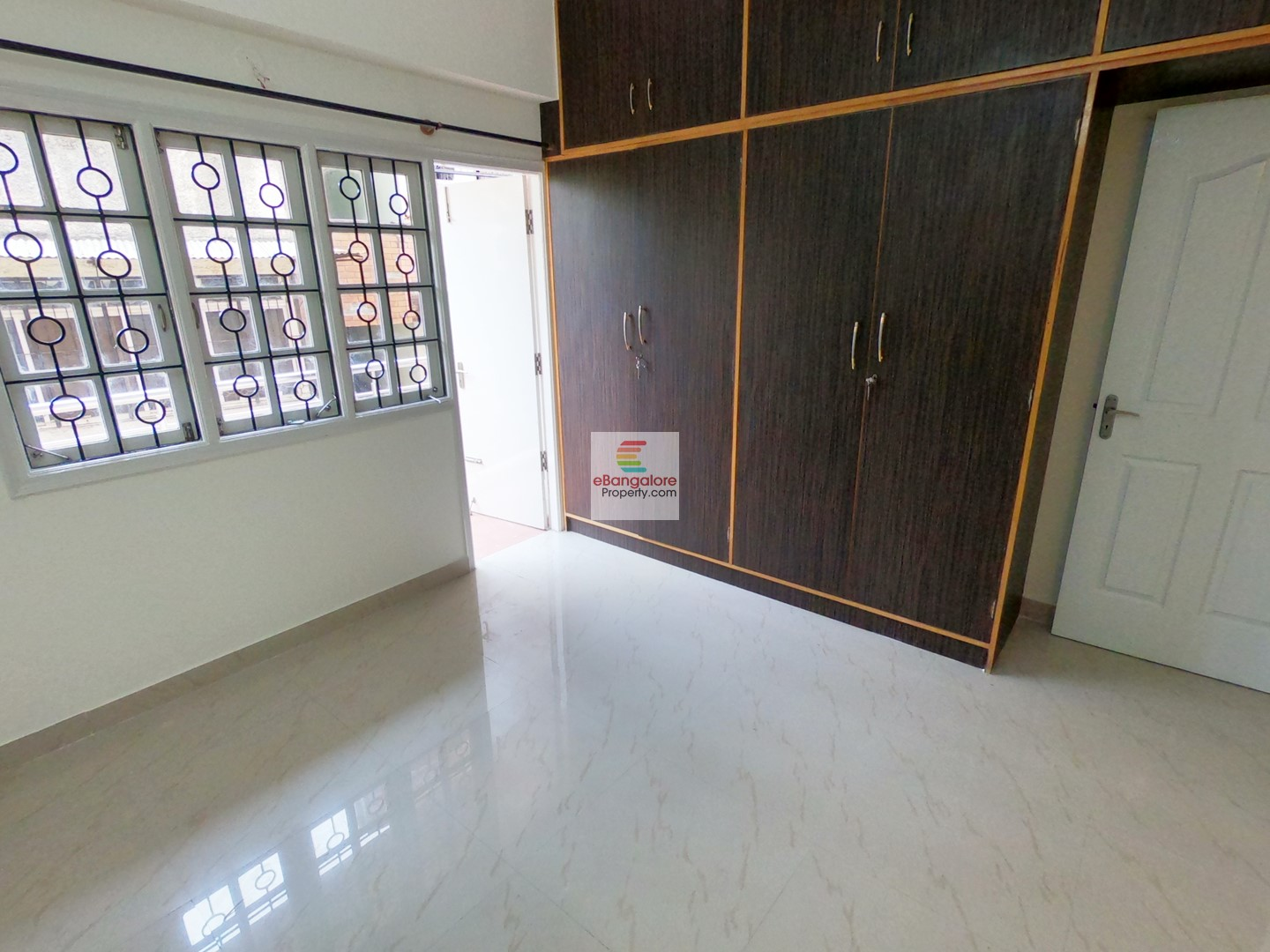 Benson Town – 2BHK Flat for Rent in Posh Location – Just 2 KM from Fun World