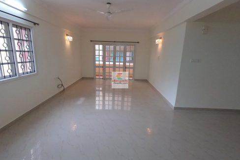 2BHK rent Flat Hall