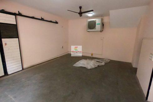 Car-Garage-for-BDA-house-for-sale-Kasturi-Nagar.j