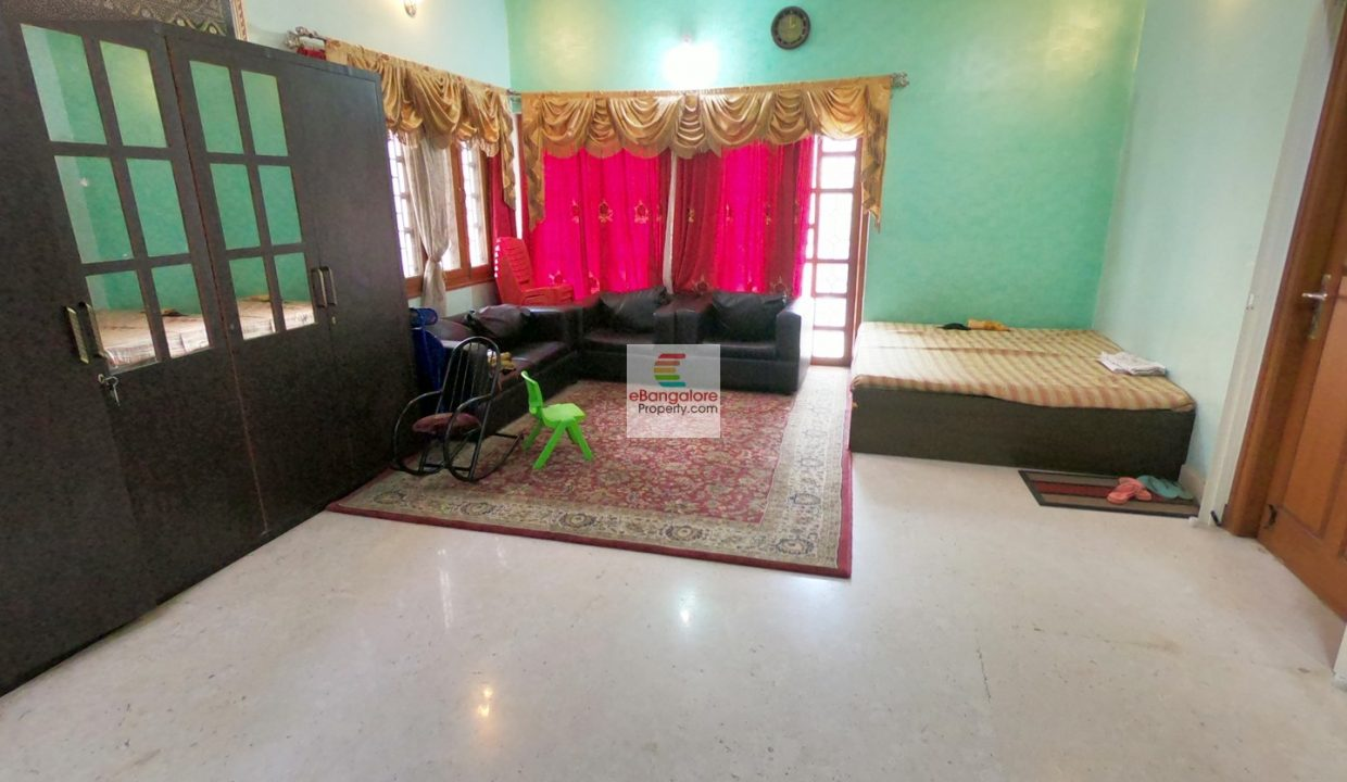 Hall-2-7BHK-bungalow-for-sale-in-Central-Bangalore