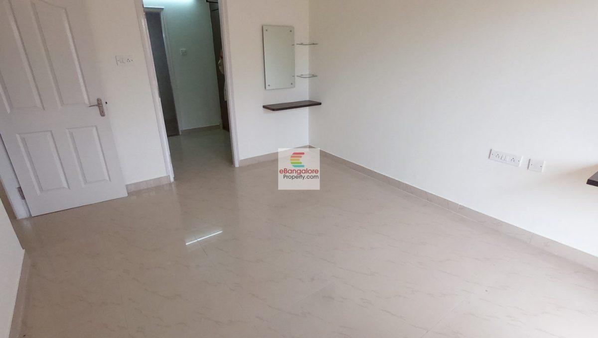 Master Bedroom Sale Flat