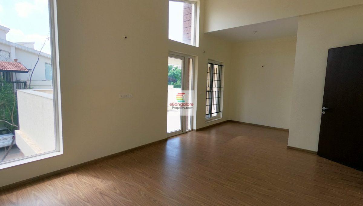 Master-Bedroom-for-sale-villa