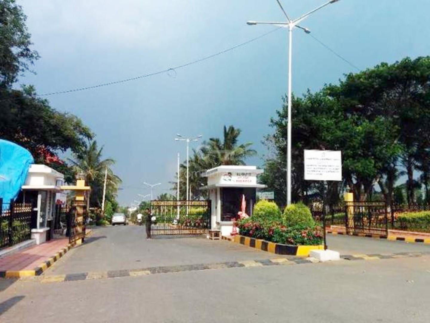Nisarga Layout BG Road – 30×31 Site for Sale – Gated community with all amenities