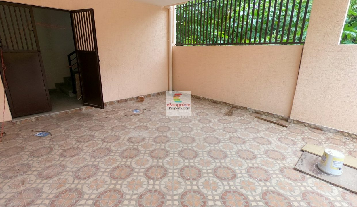 30x40-house-for-sale-in-hbr-layout