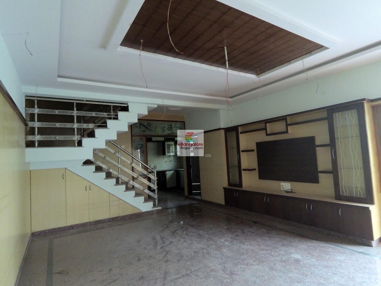 Banashankari – 3BHK + Studio Independent House for Sale – On 20×40 East Facing Plot