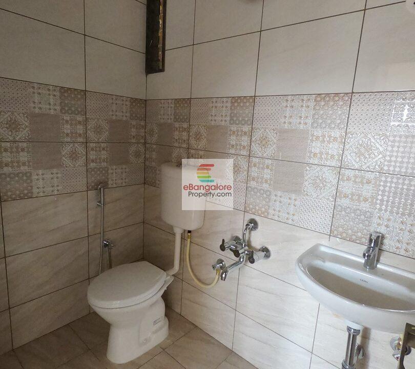 bathroom1-12.jpg