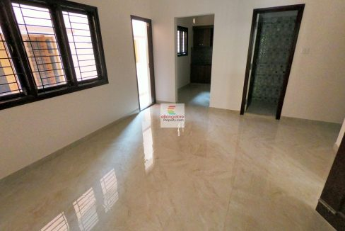 independent-3-unit-house-for-sale-in-hbr-layout