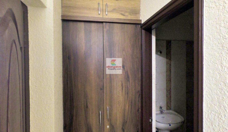 wardrobe-space