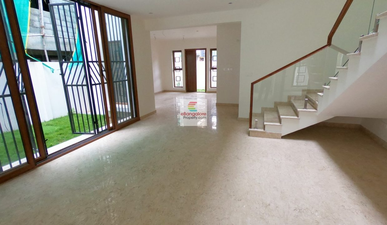 5bhk-bungalow-for-sale-in-ombr-layout