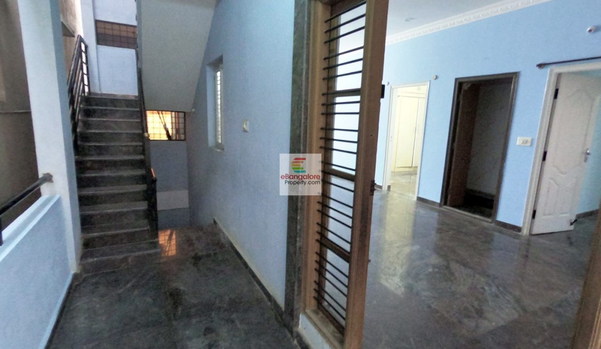 multi-unit-building-for-sale-in-aecs-layout