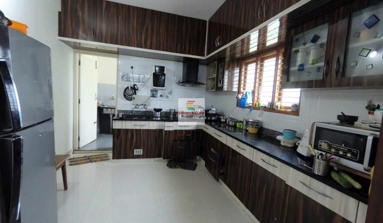 3-bedroom-spacious-flat-for-sale-in-jp-nagar.jpg