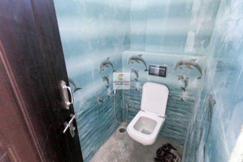 common-bathroom.jpg