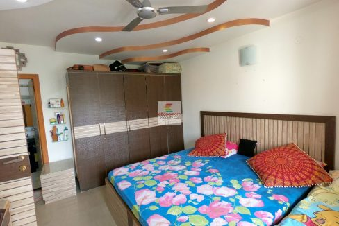 2-bedroom-flat-for-sale-in-dollars-colony.jpg
