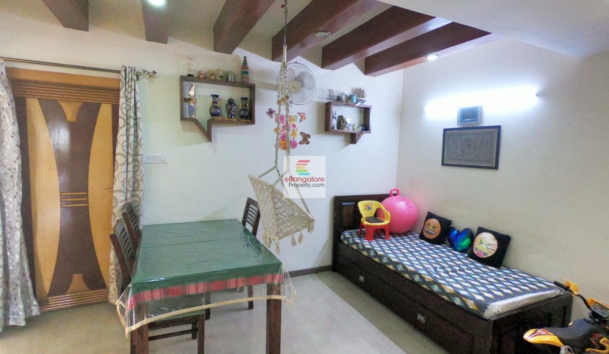 2bhk-flat-for-sale-in-dollars-colony.jpg