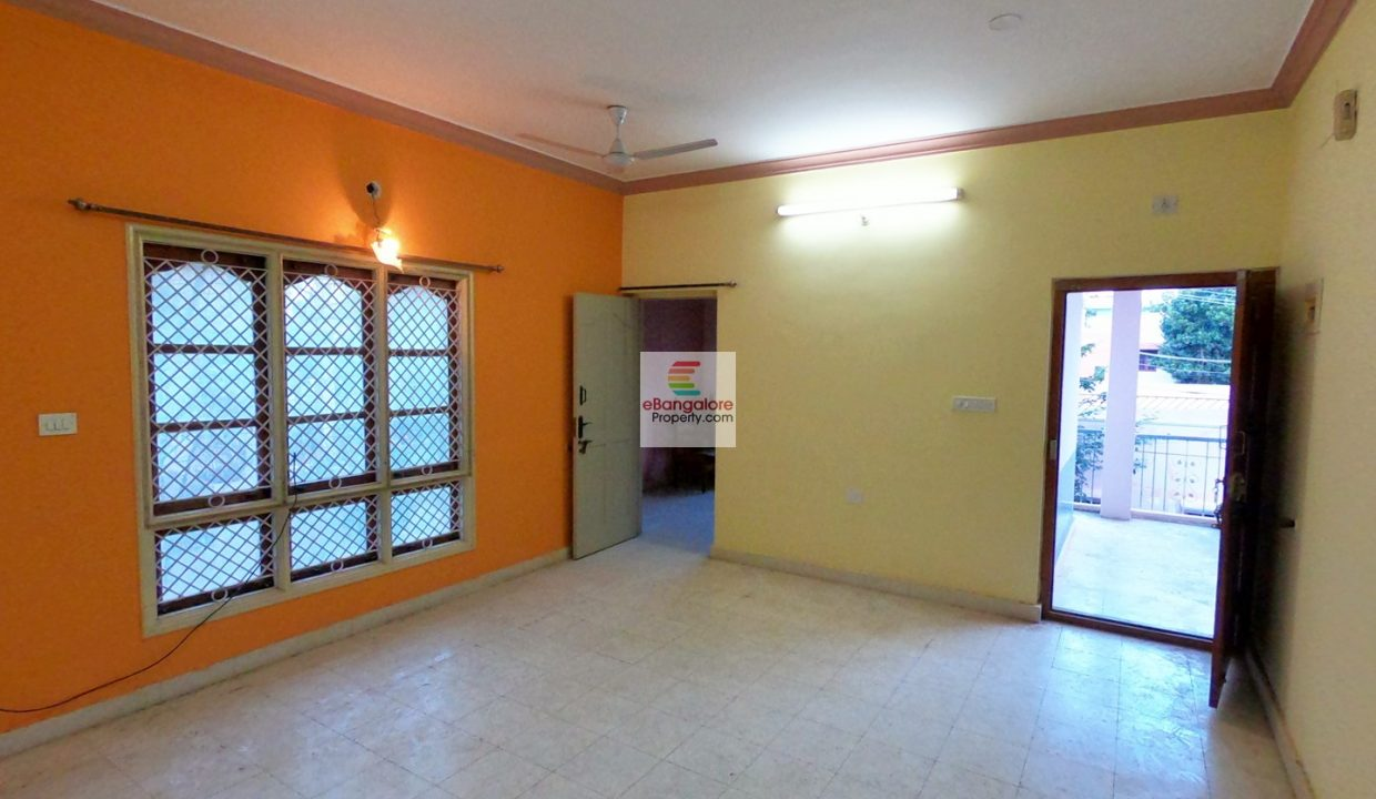 30x40-house-for-sale-near-Thanisandra.jpg