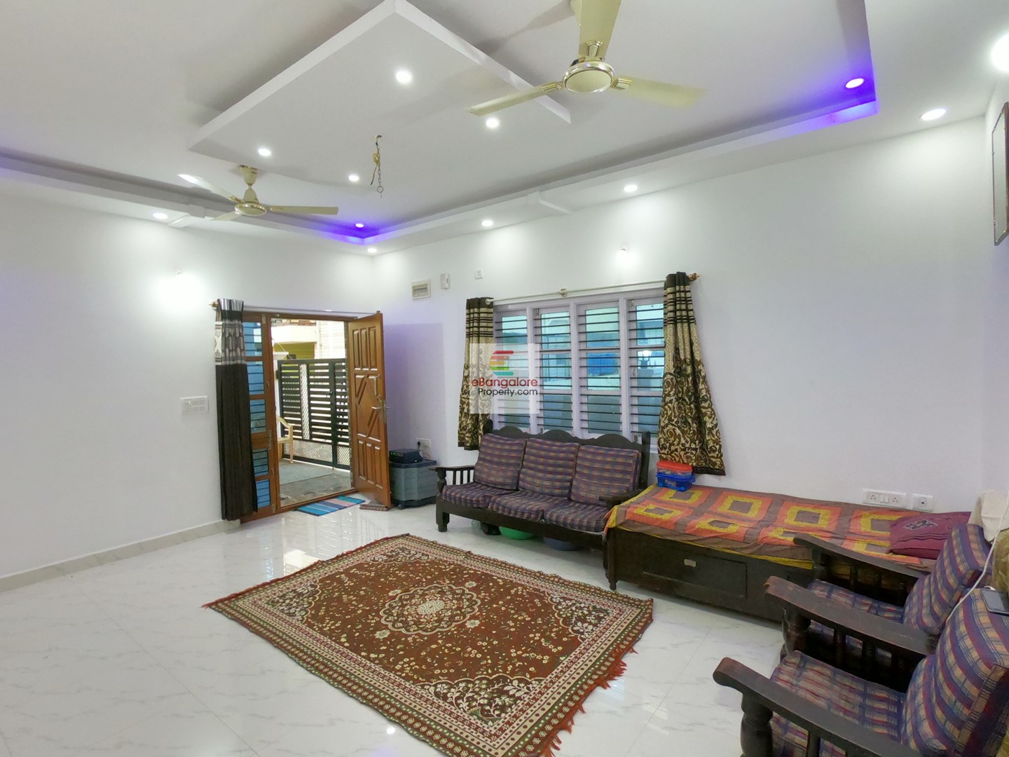 Thanisandra Road – 3BHK+3BHK 2 Unit Building For Sale on 30×43 – Corner Property