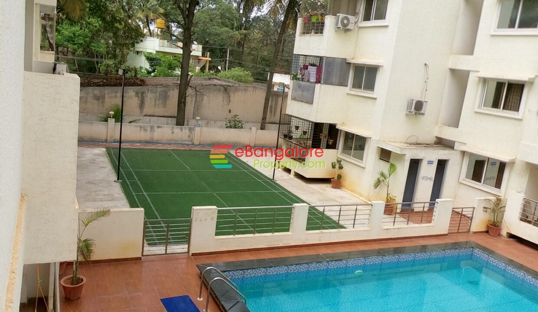badminton-court.jpg
