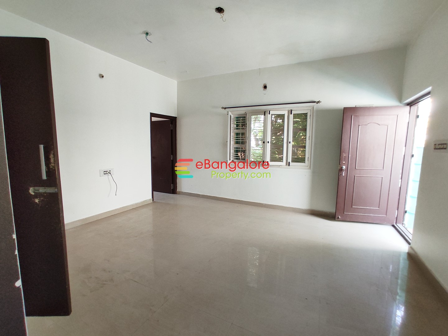 JP Nagar 2nd Phase – 40×50 Old Building For Sale at Site Cost – Near Central Mall
