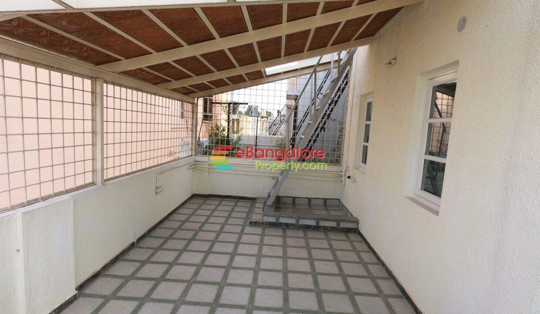 terrace-with-canopy.jpg
