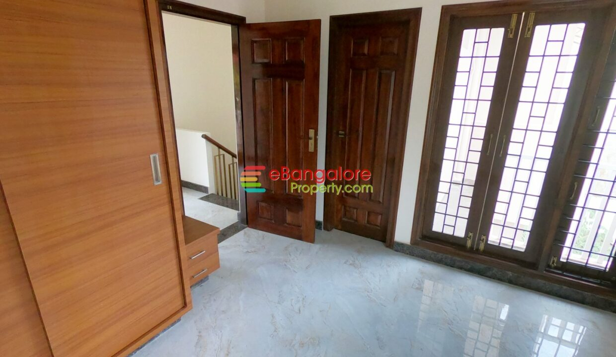 duplex-house-for-sale-in-hrbr-layout.jpg