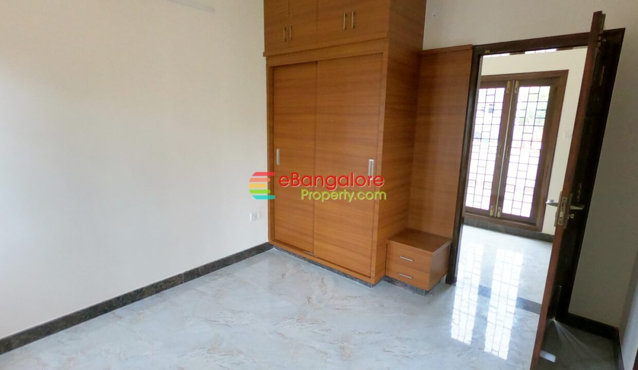 property-for-sale-in-hrbr-layout.jpg