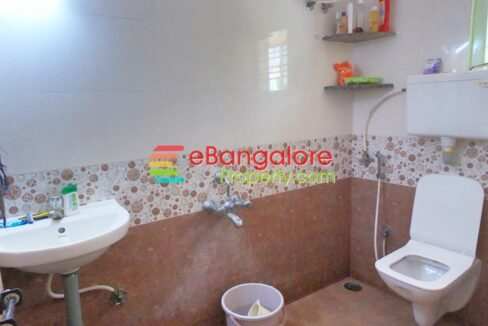 bathroom2-9.jpg