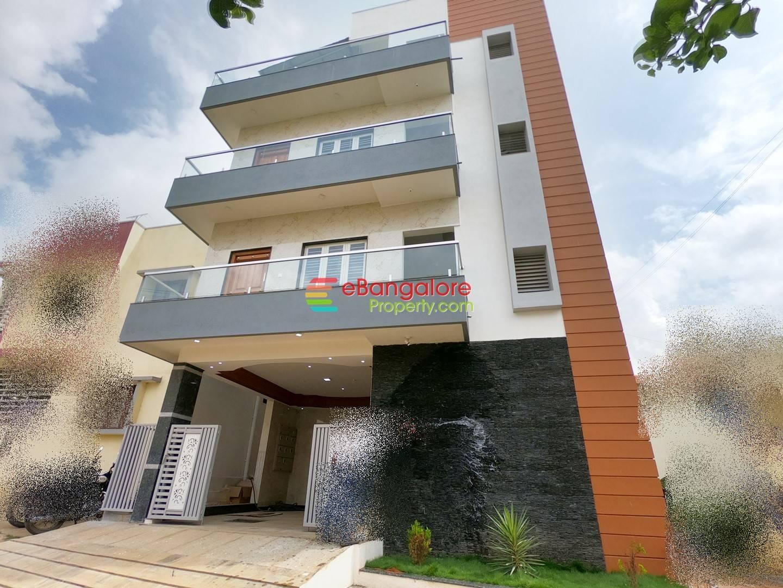 Sunkadakatte – 4 Unit Modern Corner Building For Sale on 30×35 – Semifurnished