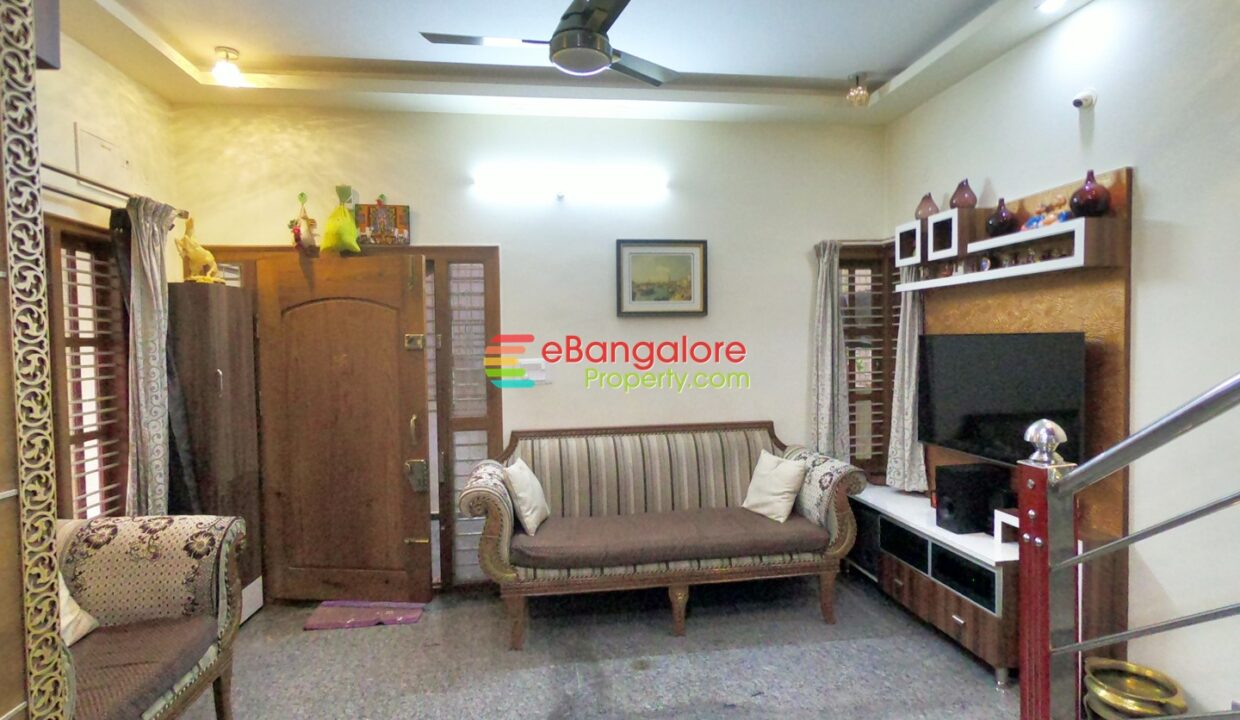 30x40-house-for-sale-in-btm-layout.jpg